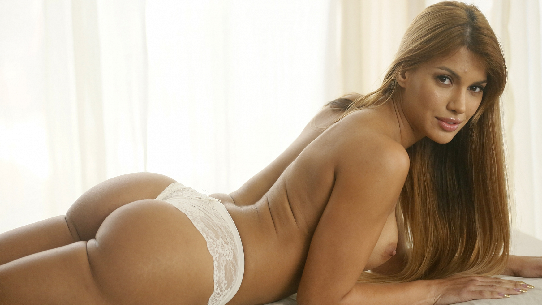 Sultry Mercedes Opens Wide For Relief